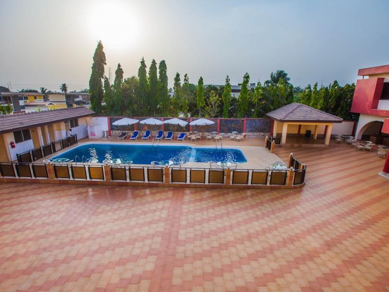 Kesdem Hotel Pool